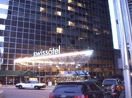 Swissotel Chicago Outside