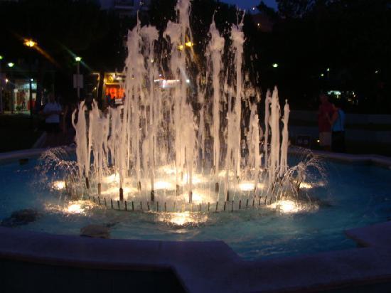 Hotel Marconi: Le meravigliose fontane di Cattolica