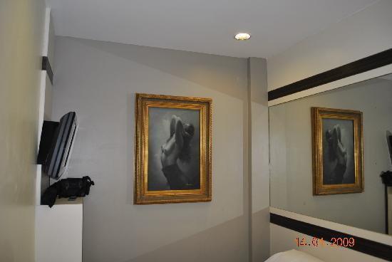 Hotel 81-Bugis: paintings inspired by .....