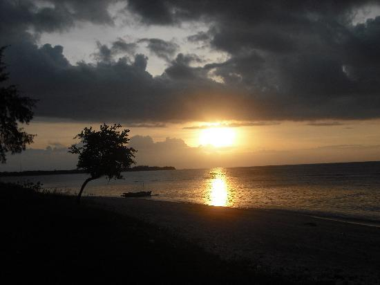 Coconut Cottages: Best sunsets in the world!!