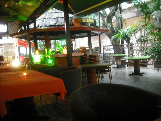 Rum Jungle : Outside seating