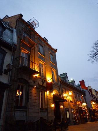 Auberge Place D'Armes: 外観