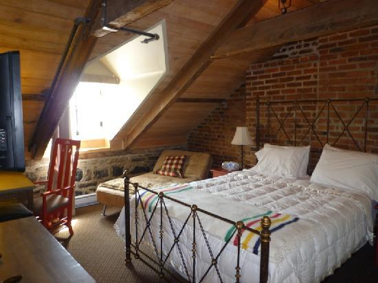 Auberge Place D'Armes: Bed room
