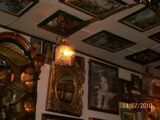 Hotel Almar: Henny's Bar