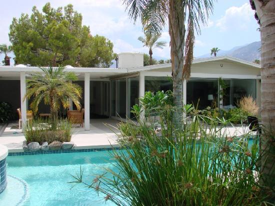 Sun Cabana : piscine et jardin