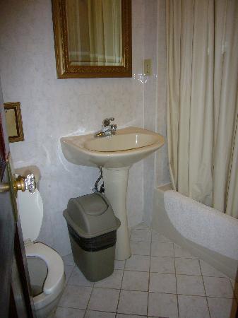 Hotel 17: lavabo compartido