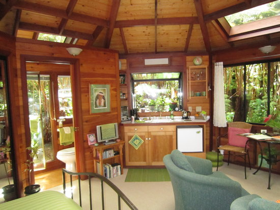 Volcano Rainforest Retreat: Interior of the Forest House. Cozy, with everything we needed.