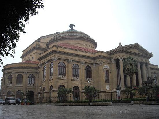 Teatro Massimo : マッシモ劇場