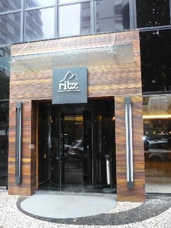 Ritz Plaza Hotel Leblon : Front