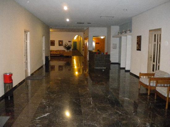 Blue Sea Beach Resort: Posh Corridor!