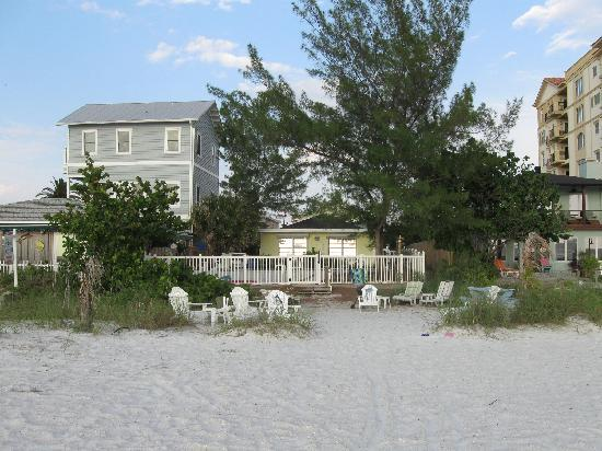 Barrett Beach Bungalows: view from beach