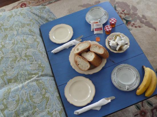 Fort Place Bed & Breakfast: Every day there was this breakfast :)