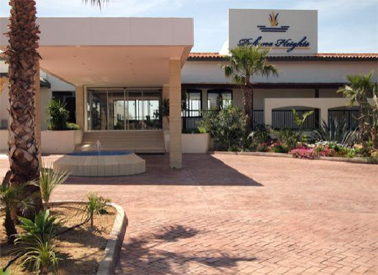 Pafiana Heights Hotel - Apts : Hotel front and entrance