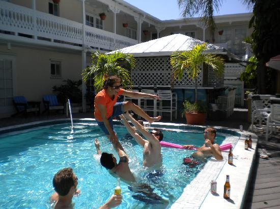 The Palms Hotel- Key West: The pool was a riot