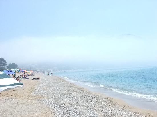 Belle Helene Hotel: beach