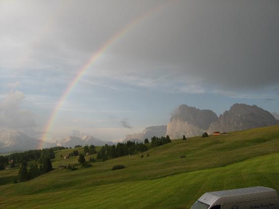 Hotel Santner Alpine Sport & Relax: panorama da una camera.