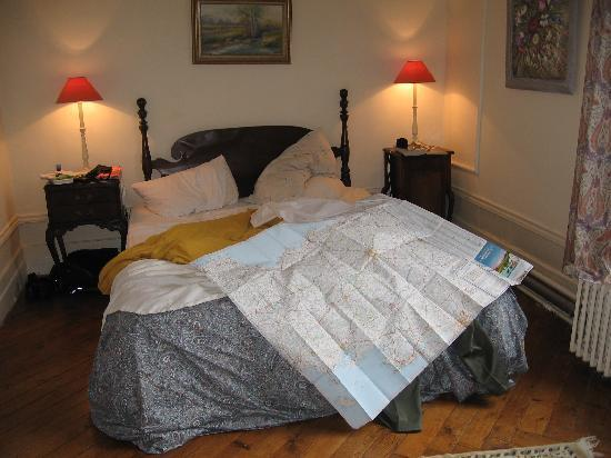 Le Chalet du Bel Event : planning a trip in our room