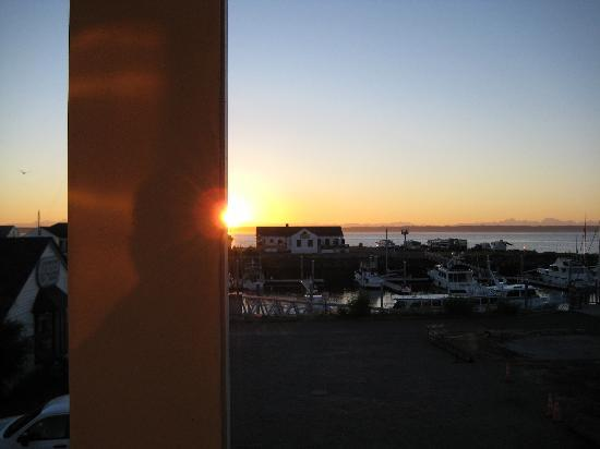 Swan Hotel: Sunrise From the Room's Deck