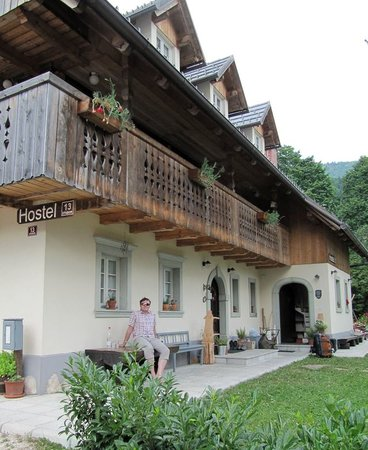 Rustic-House 13: Hostel