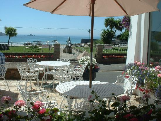 St. Brelades Bay Hotel: Front Terrace