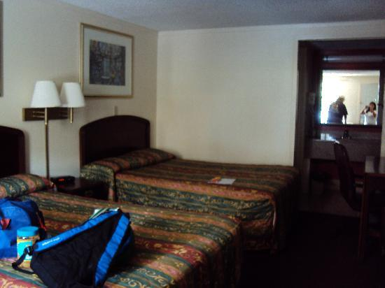 Knights Inn Pittsburgh Bridgeville : This was our room