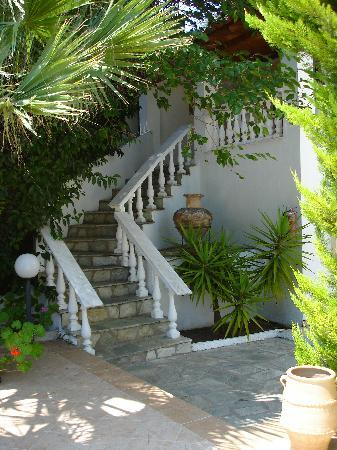 Kolios, Greece: Steps to the honeymoon suite