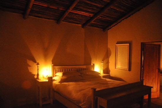 Notten's Bush Camp: Bedroom at night - candlelight only!
