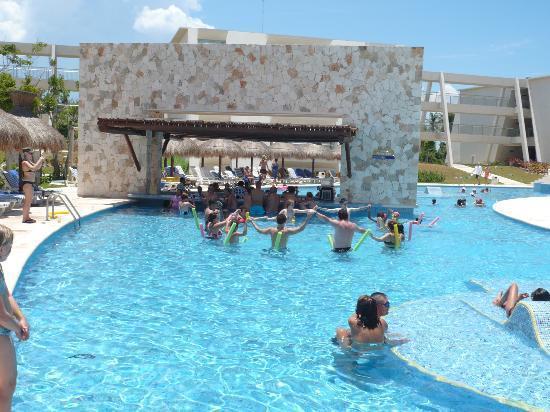 foto de grand sirenis riviera maya resort spa akumal gente disfrutando tripadvisor. Black Bedroom Furniture Sets. Home Design Ideas