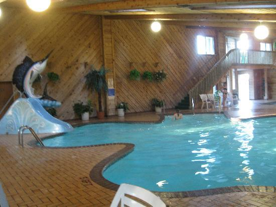 Shamrock Motel Resort & Suites: INDOOR POOL WITH SLIDE