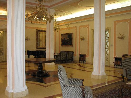 Palace Hotel Meggiorato: hotel lobby