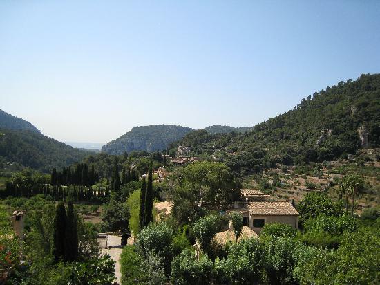 Valldemossa, España: テラスからの眺め