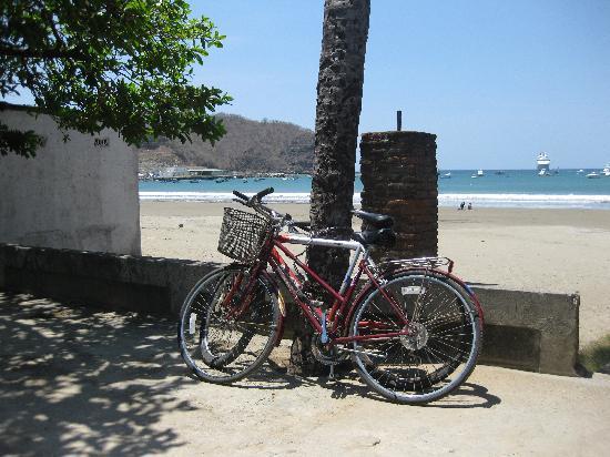 Chica Brava Surf Retreat: a random shot of a street in San Juan del Sur