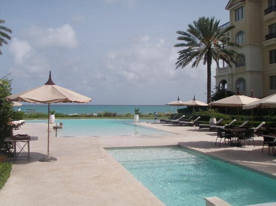 The Somerset on Grace Bay: Pools