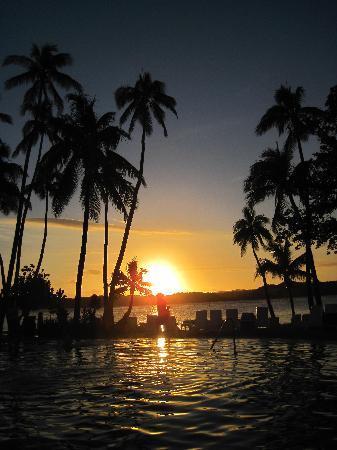 Shangri-La's Fijian Resort & Spa: Sunset over the Lagoon