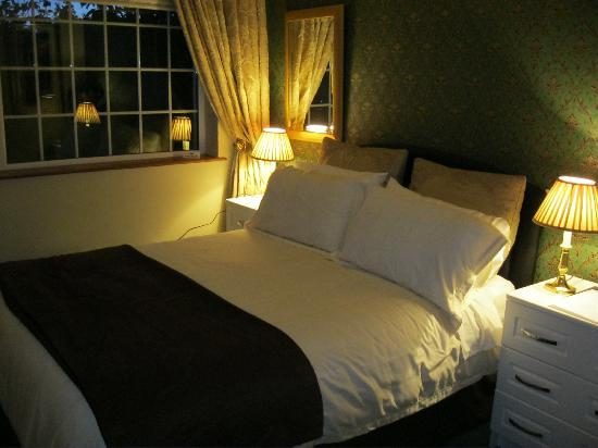 Cloneen Bed & Breakfast: Our room
