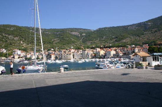 Island of Vis, Croacia: komiza hafen