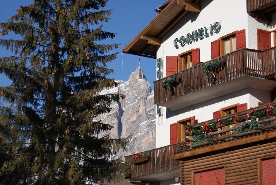 Hotel Cornelio: esterno dell'hotel