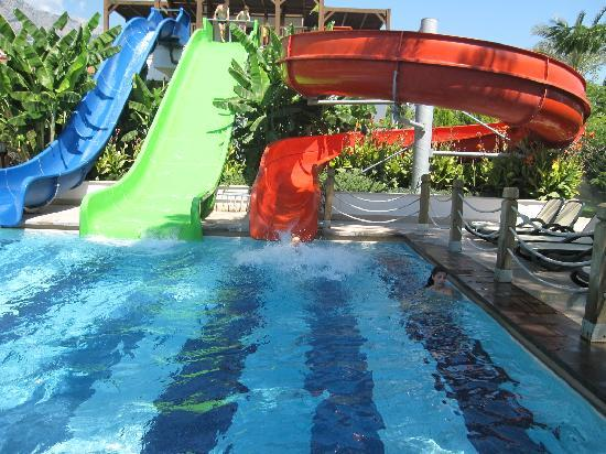 Crystal De Luxe Resort & Spa : children's pool (adults love it too)