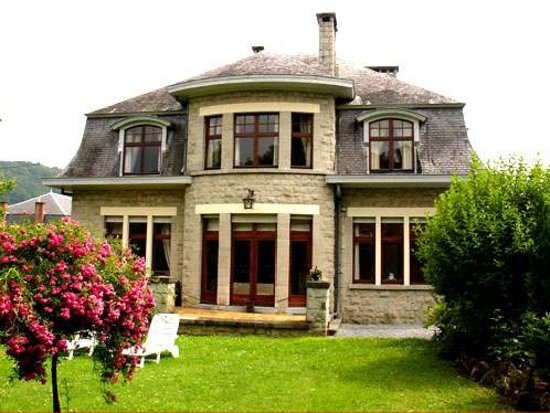 Les Heures Claires : The beautiful house with garden