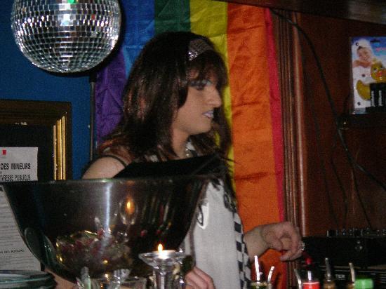 Le Crazy Bar - Clubbing : transformiste