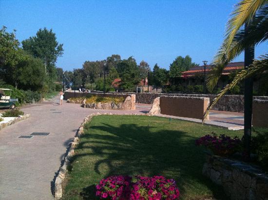 Giardini foto di hotel eurovillage budoni tripadvisor for Eurovillage budoni agrustos