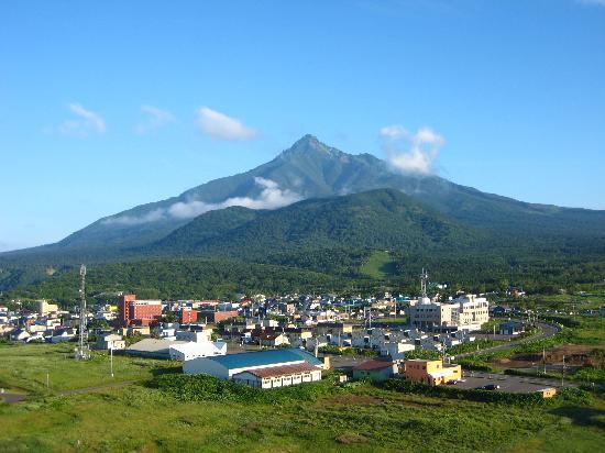 Rishirifuji-cho, ญี่ปุ่น: のぼり途中に振り返り利尻富士