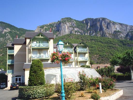 Hotel-Restaurant Chez Pierre d'Agos : Hotel Chez Pierre d'Agos, vue extérieure