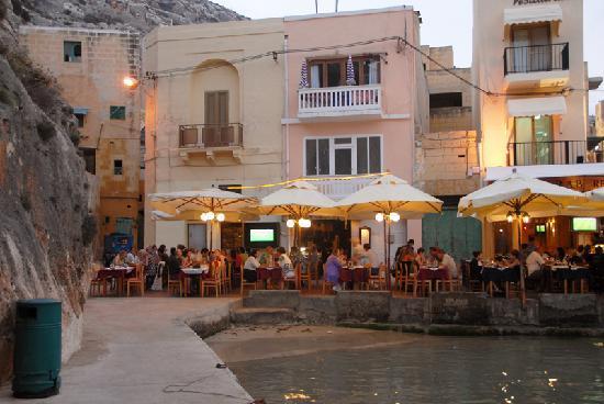 Ta' Karolina: Ta Karolina restaurant on the harbourfront