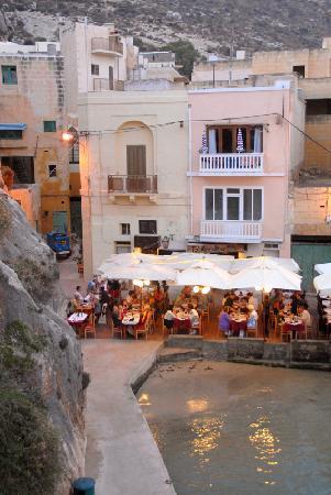 Ta' Karolina: Ta Karolina restaurant from cliff steps