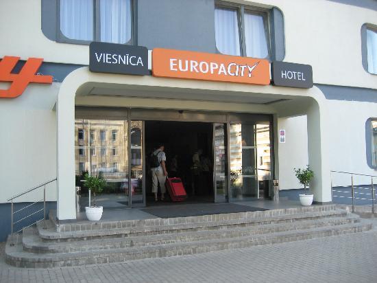 Days Hotel Riga VEF: der Hoteleingang