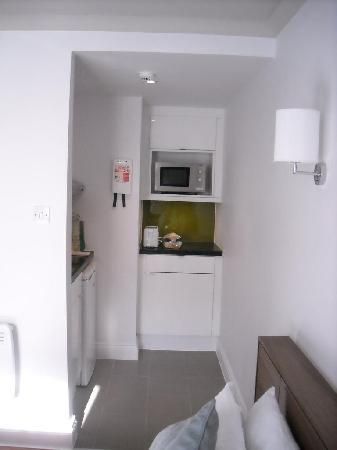 Citadines South Kensington: Kitchenette - room 318