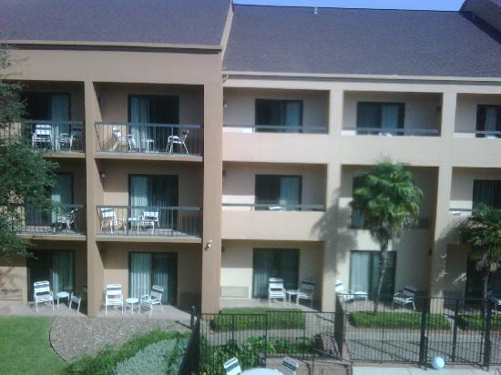 Courtyard San Antonio Medical Center : Balconies