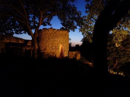 La Grande Maison d'Arthenay: Pigeonierre at Night