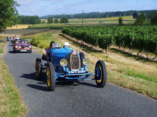 La Grande Maison d'Arthenay: Le Puy Notre Dame Retro Grand Prix